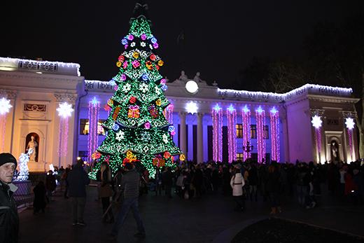 В Одессе зажгли главную новогоднюю ёлку (ФОТО), фото-2