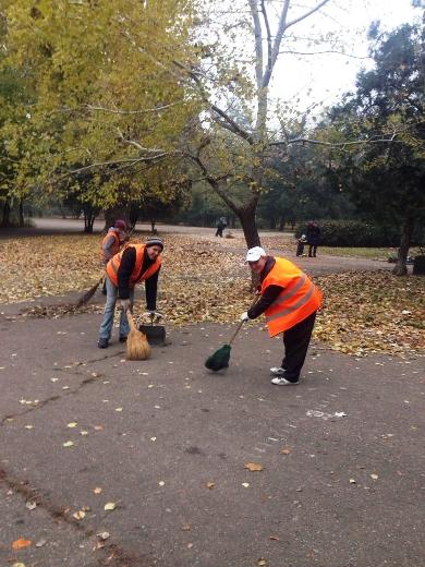 4 Из одесских парков после уборки вывезли 200 тонн мусора