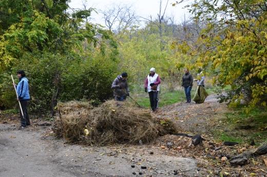 DSC_3380 Из одесских парков после уборки вывезли 200 тонн мусора