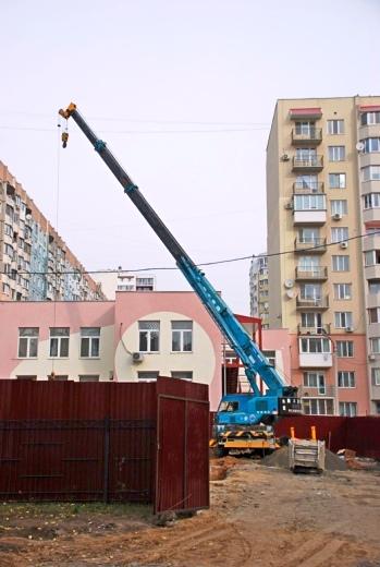 2 В Одессе строят бассейн для людей с психическими отклонениями