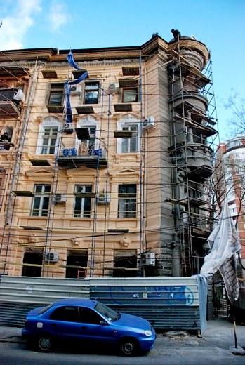 6 В Одессе взялись за реставрацию здания, в котором расположен всемирный клуб одесситов