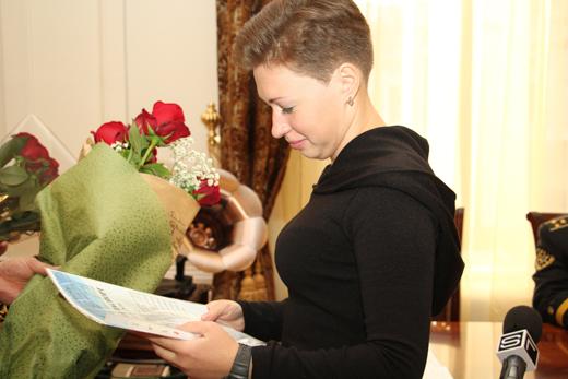 IMG_5163 В Одессе вдове военного моряка, погибшего в АТО, вручили ключи от квартиры