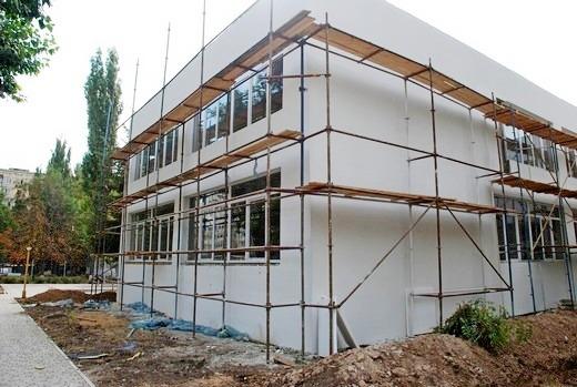 2 В Одессе откроют детский сад с неоднозначным фасадом