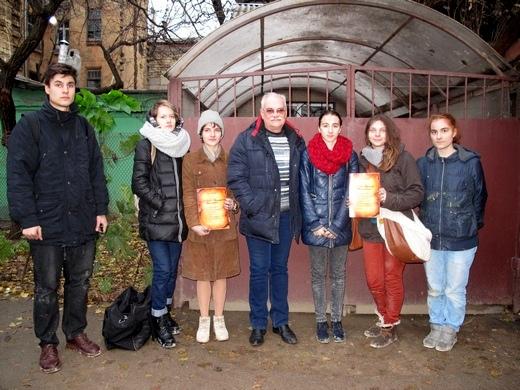 IMG_4843 В одесских катакомбах художники восстановили старинную настенную роспись