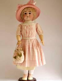 1 История игрушек: В Одессе покажут винтажные куклы
