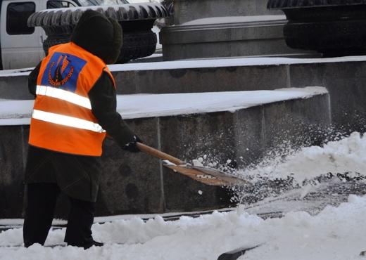 В Одессе коммунальщики убирают снег (ФОТО), фото-8