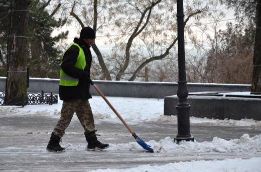 В Одессе коммунальщики убирают снег (ФОТО), фото-6