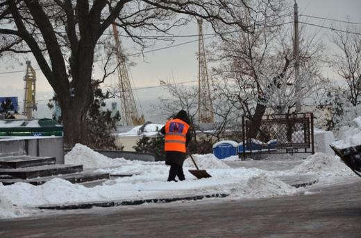 В Одессе коммунальщики убирают снег (ФОТО), фото-7
