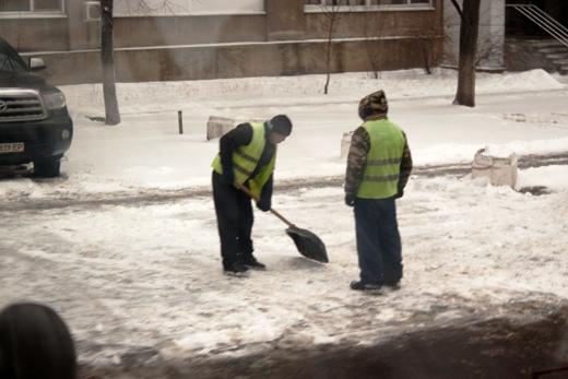В Одессе коммунальщики убирают снег (ФОТО), фото-11