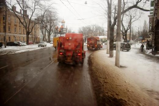 В Одессе коммунальщики убирают снег (ФОТО), фото-3
