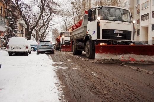 В Одессе коммунальщики убирают снег (ФОТО), фото-14