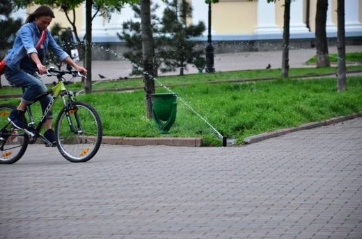 DSC_7504 В Одессе Соборную площадь оборудовали системой автополива
