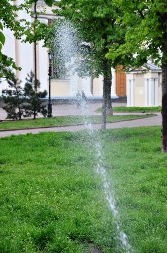 DSC_7510 В Одессе Соборную площадь оборудовали системой автополива