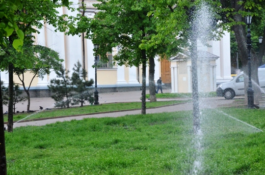 DSC_7517 В Одессе Соборную площадь оборудовали системой автополива