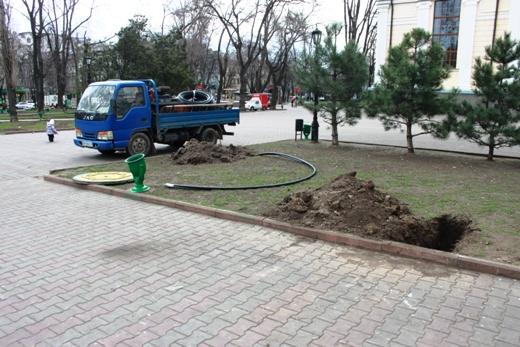 IMG_7317 В Одессе Соборную площадь оборудовали системой автополива