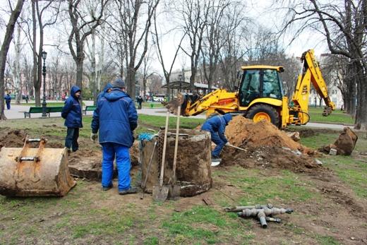 IMG_7327 В Одессе Соборную площадь оборудовали системой автополива