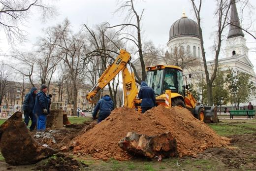IMG_7329 В Одессе Соборную площадь оборудовали системой автополива