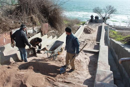IMG_6697%281%29 На одесском Фонтане ремонтируют лестницу к морю