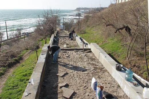 IMG_6702 На одесском Фонтане ремонтируют лестницу к морю