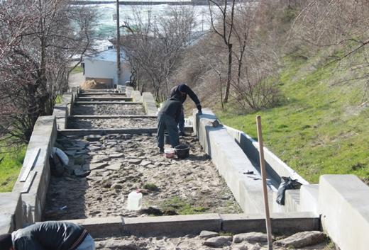 IMG_6703 На одесском Фонтане ремонтируют лестницу к морю