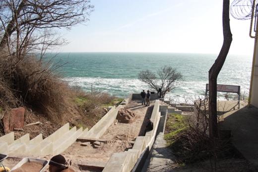 IMG_6733 На одесском Фонтане ремонтируют лестницу к морю