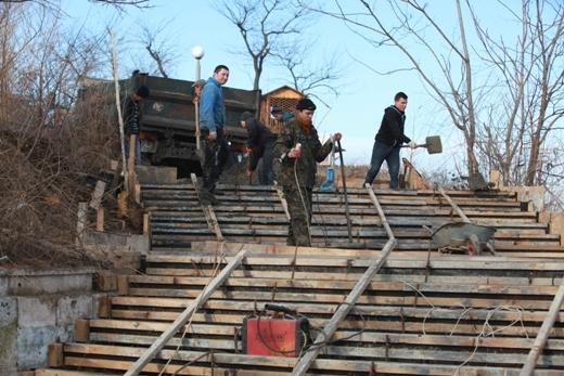 IMG_2645 Мраморную лестницу в Аркадии восстановят уже весной