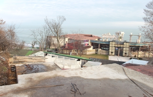 IMG_5526 Мраморную лестницу в Аркадии восстановят уже весной