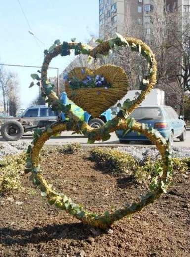 DSCN0255 К 8 марта в Одессе подготовили несколько цветочных композиций на клумбах