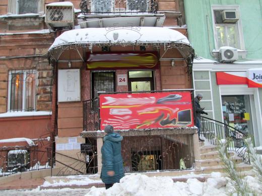 ekaterininsk2_1 В центре Одессы демонтировали уродующую город рекламу