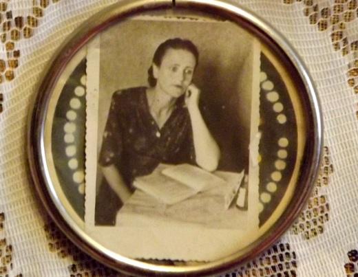 DSCF5594 Одесская долгожительница в 100 лет держится молодцом
