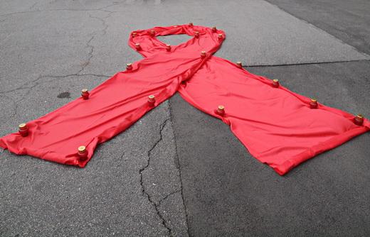 aids01 Одесситам под ОГА раздавали презервативы