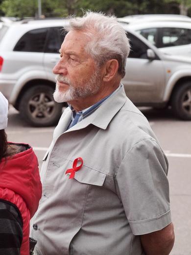 aids04 Одесситам под ОГА раздавали презервативы