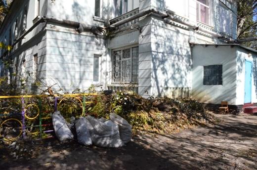 11 В Одессе продолжают ликвидировать последствия стихии