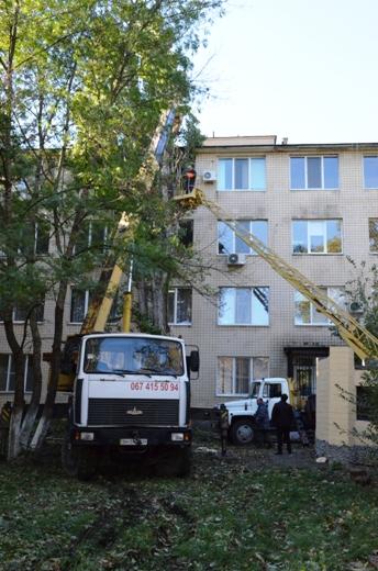 22 В Одессе продолжают ликвидировать последствия стихии
