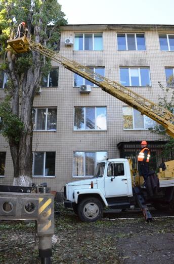 27 В Одессе продолжают ликвидировать последствия стихии