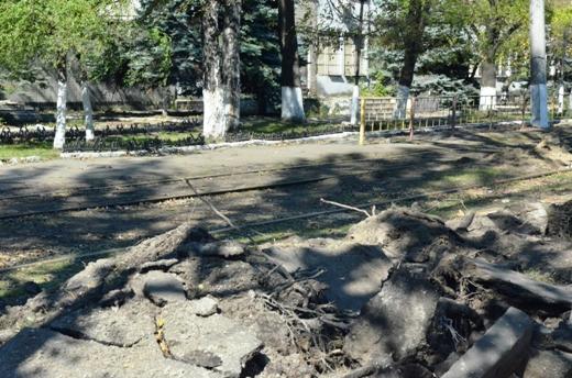 8 В Одессе продолжают ликвидировать последствия стихии