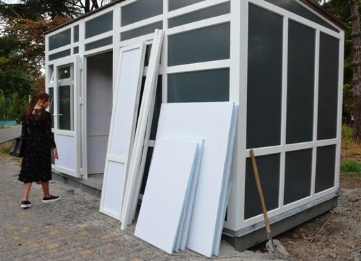 DSC_2307 Ушлые чиновники из одесской мэрии на месте сгоревшего туалета установили новый