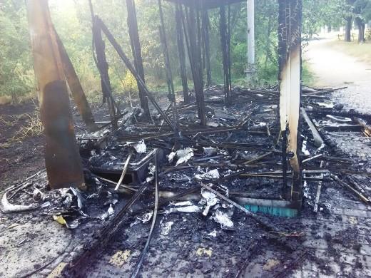 2 Ушлые чиновники одесской мэрии уже пообещали на месте сгоревшего туалета построить новый