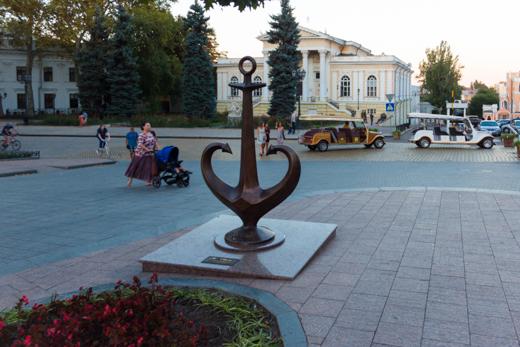 8 Якорь Одессы на место вернули меценаты