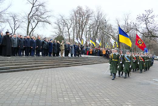 В День соборности Украины в Одессе возложили цветы к подножью памятника Тарасу Шевченко, фото-2