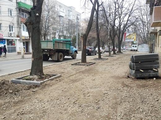 В Одесі тротуар на вулиці Посмітного роблять доступним для маломобільних груп населення