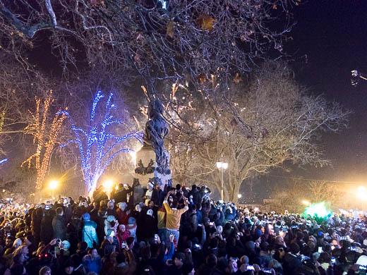Как Одесса встретила Новый год: большой фоторепортаж фото 60