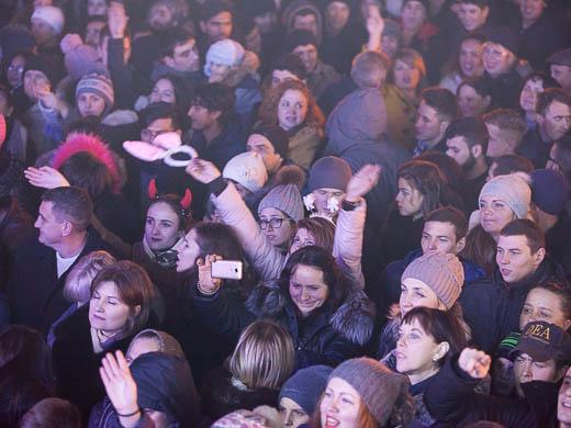 Как Одесса встретила Новый год: большой фоторепортаж фото 37