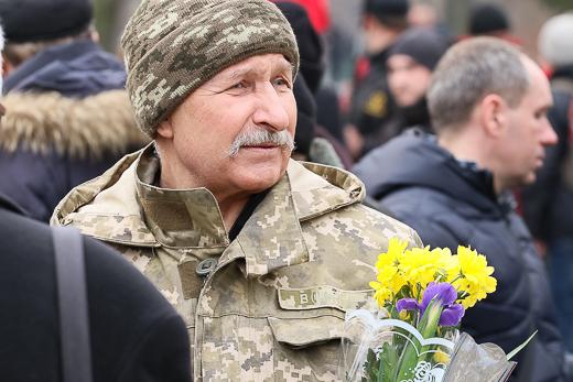 День рождения Кобзаря: к памятнику Шевченко возложили цветы фото 1