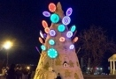 Odessa sweet Christmas tree welcomes guests on Primorsky Boulevard. Photo
