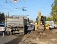 На углу улиц Космонавта Комарова и 25-ой Чапаевской дивизии завершается расширение дороги
