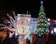 На Думской площади Одессы начались новогодние гуляния. Фоторепортаж