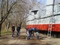 В Киевском районе Одессы высадили 400 саженцев различных растений. Фото