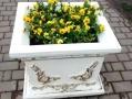 На Крымском бульваре одесский «Горзелентрест» установил новые цветочные вазы