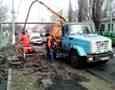 Коммунальные службы Одессы очищают ливневки после снегопадов